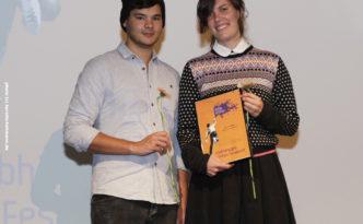 """Robin de Silva (StuRa Universität Osnabrück) und Regisseurin Sophie Linnenbaum (""""[Out of Fra]me"""", Kurzfilmpreis 2016) #ffos16_Foto  © www.kerstin-hehmann.de"""