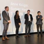 Niklas Sievert und die Jury des Friedensfilmpreises 2016 - Medienjournalistin Anne Krüger, Produzent Gunter Hanfgarn und Regisseurin Sung-Hyung Cho  #ffos16_Foto  © www.kerstin-hehmann.de